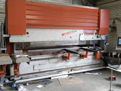 Beyeler CNC machine modernization