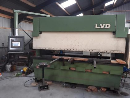 LVD CNC machine renewed and retrofitted